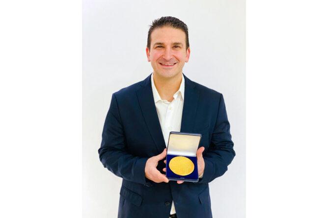 Jordi Molet zum Trainer des Jahres in Wuppertal geehrt